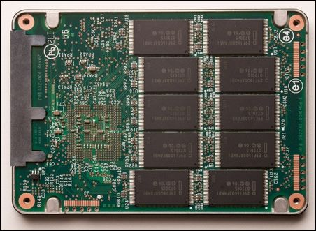 英特尔x-25固态硬盘内部结构曝光(1)