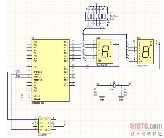 图中单片机的RXD引脚与MAX1487芯片的RO相连接,用来接收数据,单片机的TXD引脚与MAX1487芯片的DI相连接,用来发送数据。另外,MAX1487芯片的~RE和DE引脚并联在一起连接到单片机的P3.2端口,因为~RE和DE是两个互斥的信号量,在正常情况下,它们的电平始终处于相反的状态,也就说使用MAX1487芯片传输数据是不能同时收发的,属于半双工通信。 本实验的其他电路部分和12.